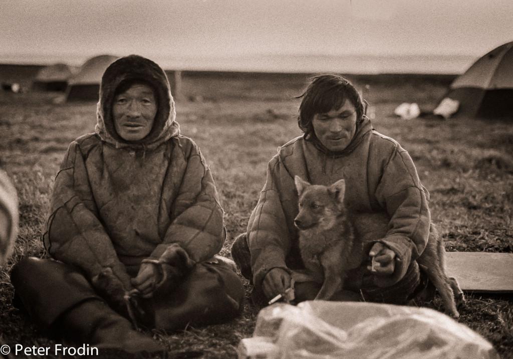 Nenet, en folkgrupp i sibirien, Ryssland. Träffade just dessa 1992 då jag och några kompisar var i sibirien under några månader på sommaren.